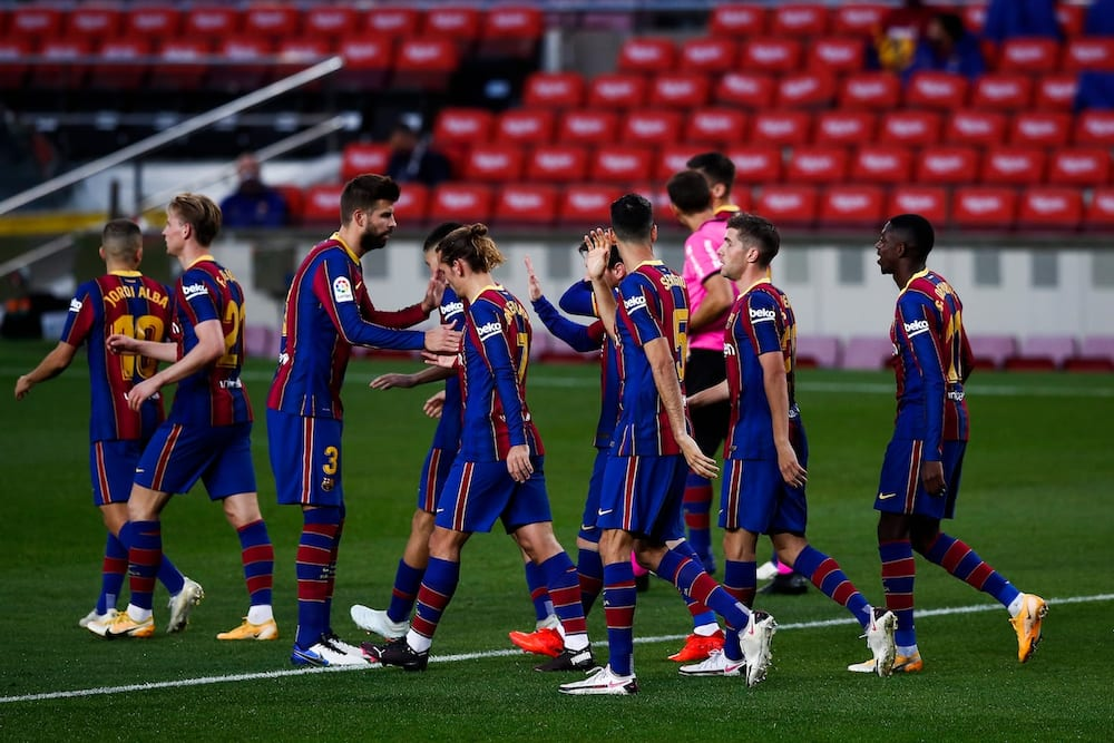 Barcelona reach agreement with players over wage cuts this season