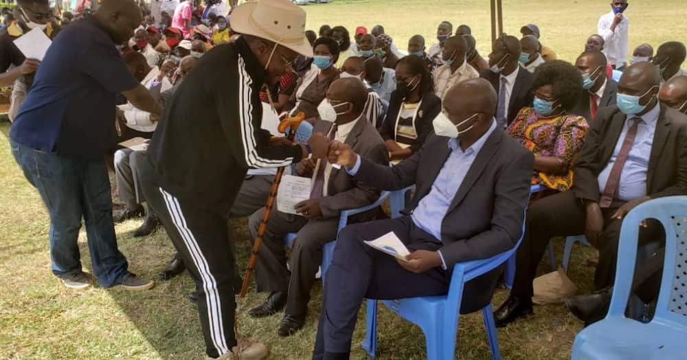 Bungoma: Sarakasi yazuka mazishini kufuatia majibizano ya bwenyenye Nandalwe na Gavana Wangamati