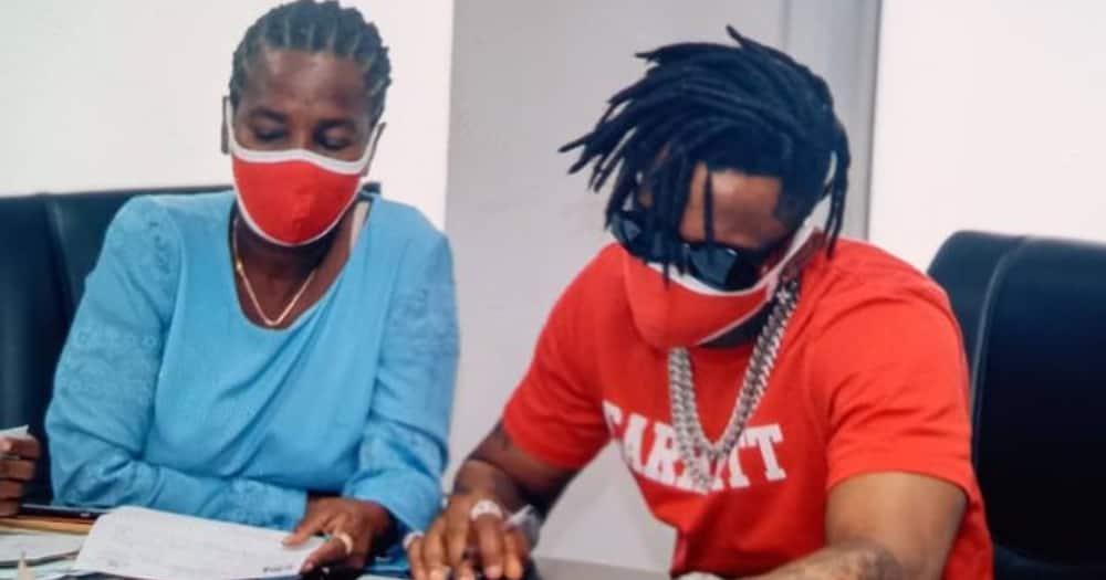 Diamond's mum responds to critics over photo of singer's dad in matatu with scathing remark