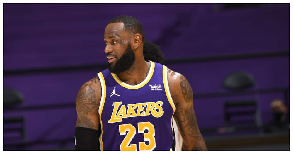 """Zlatan vs Lebron: Lakers star hits out at Ibrahimovic after Swede told him to """"Stick to Sports"""""""