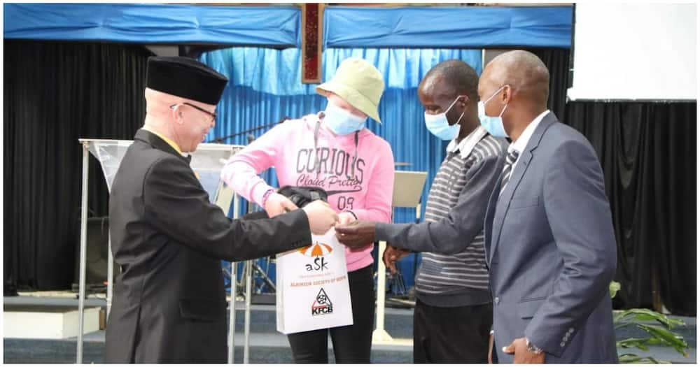 The Kenya Education Fund and Albinism Society of Kenya handed over a four-year scholarship after Jelimo secured a Form One slot at Kapkenda Girls High Schoo