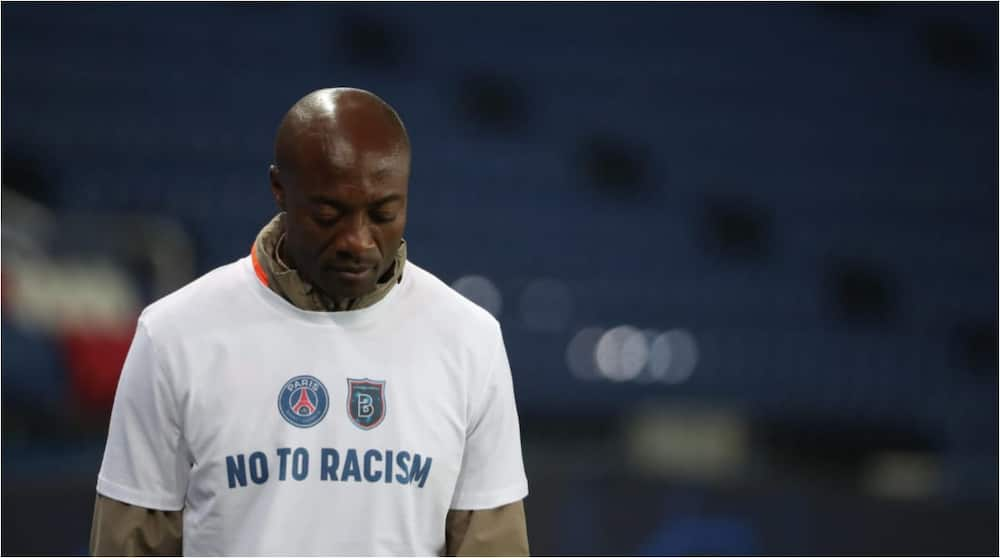 Pierre Webo: Istanbul Basaksehir assistant coach handed a shirt signed by whole PSG team