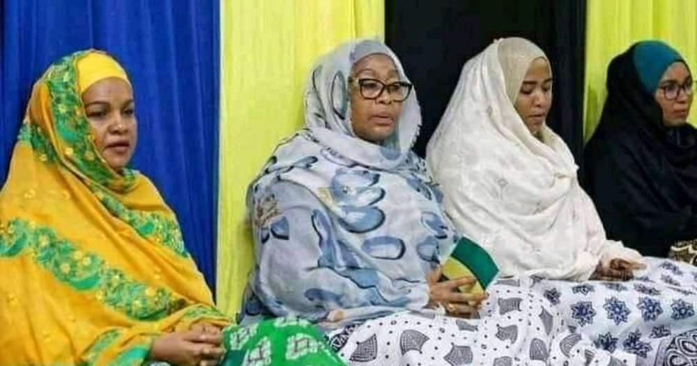 Fact Check: Women Seated Beside Tanzania President Samia Suluhu in Mosque Aren't Her Co-Wives