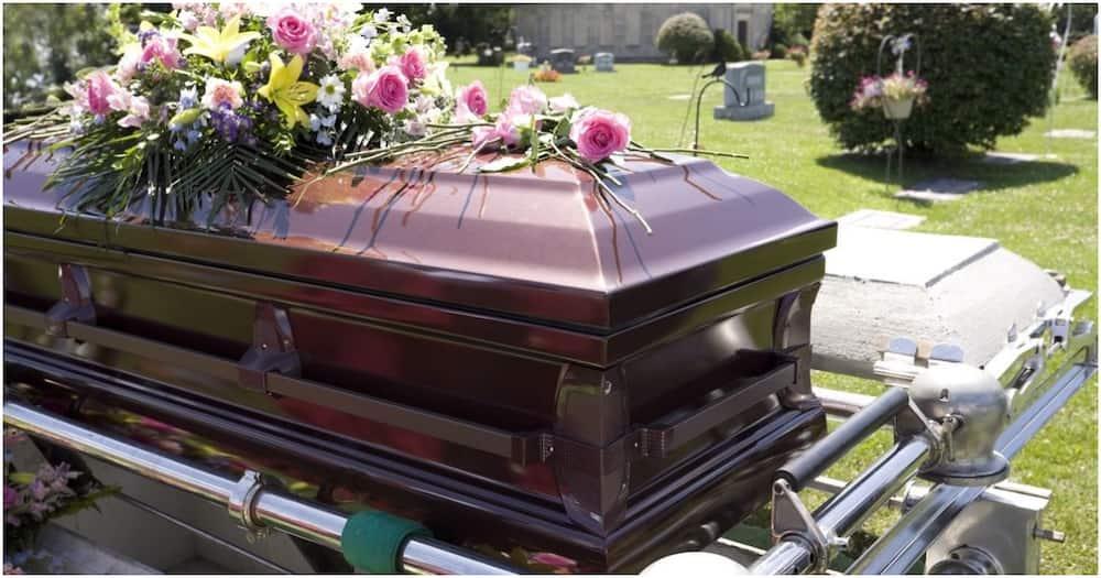 Uhuru orders families to bury deceased relatives within 72 hours