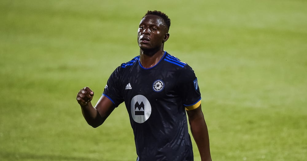 Delightful Moment as Victor Wanyama trades his shirt with fan's spaghetti in MLS
