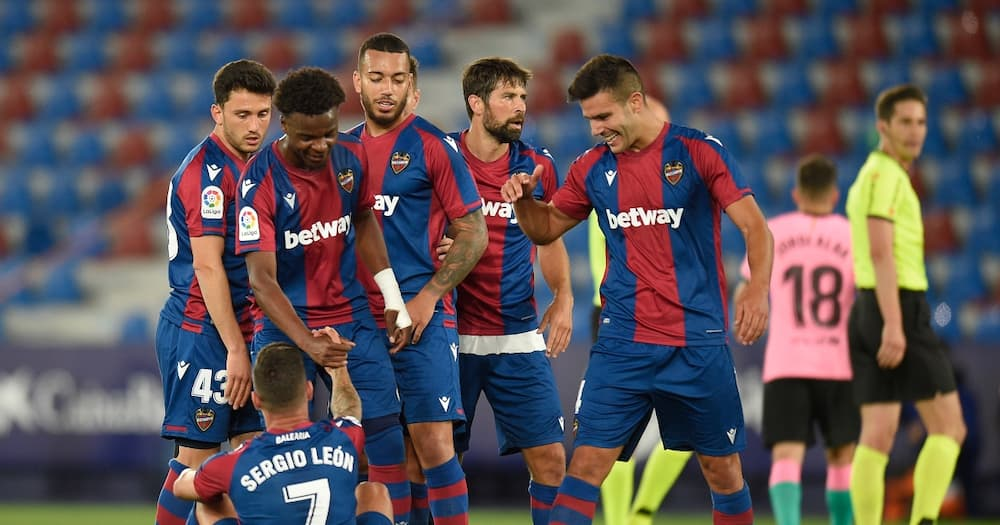 Barcelona Blow Chance to Go Top of La Liga After Blowing 2-Goal Lead vs Levante
