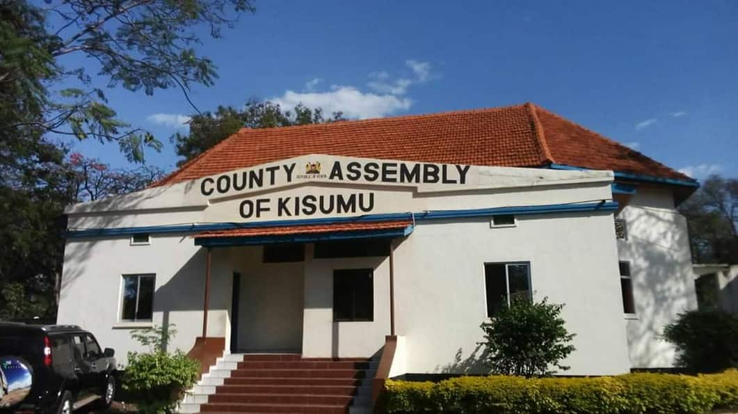 Top Kisumu County official threatens to shoot contractor at county offices for claiming his pay