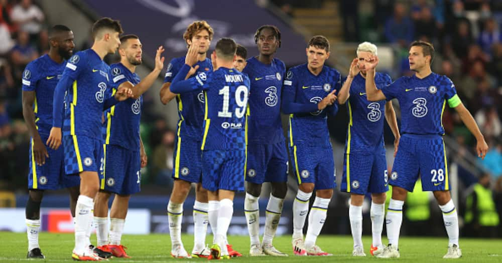 Mason Mount of Chelsea celebrates with teammates after scoring his penalty in the shootout during the UEFA Super Cup 2021 match between Chelsea FC and Villarreal CF at the National Football Stadium at Windsor Park. (Photo by Catherine Ivill/Getty Images)