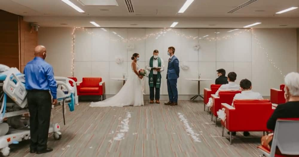 Couple Holds Impromptu Wedding at Hospital so Mom Battling Cancer Can Attend
