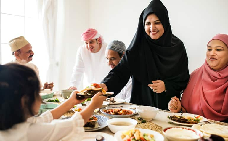 Ramadan rules for fasting, relationships, and food to observe