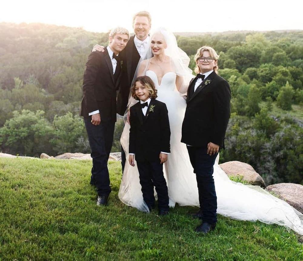 Does Blake Shelton have kids?