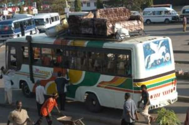 Section of Kenyans flee Nairobi ahead of Uhuru's crucial meeting with governors