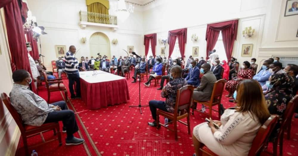 Uhuru slams Ruto for early 2022 campaigns, asks him to tame his ambitions