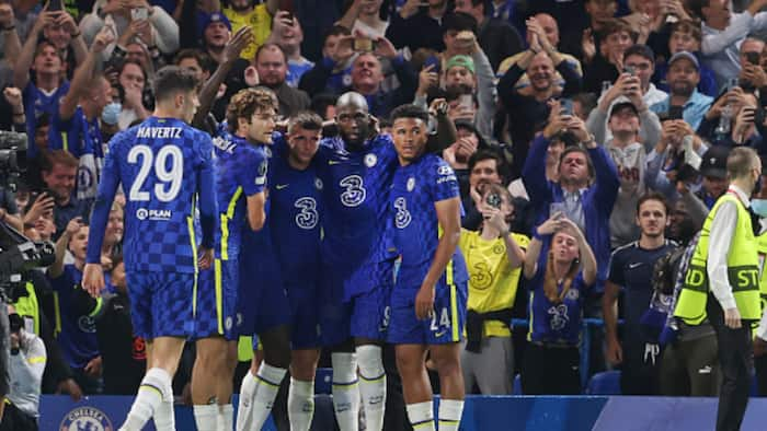 Ex-EPL Star Predicts Who Will Win League After Huge Wins for Man City, Chelsea