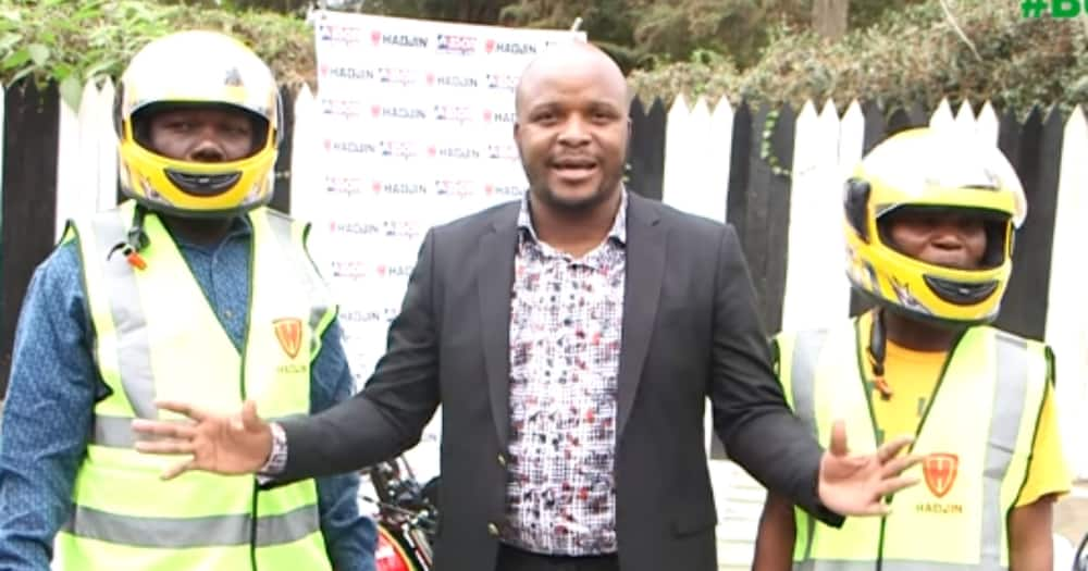 Jalang'o handed over the motorbikes to Matendechere and Musyoka.