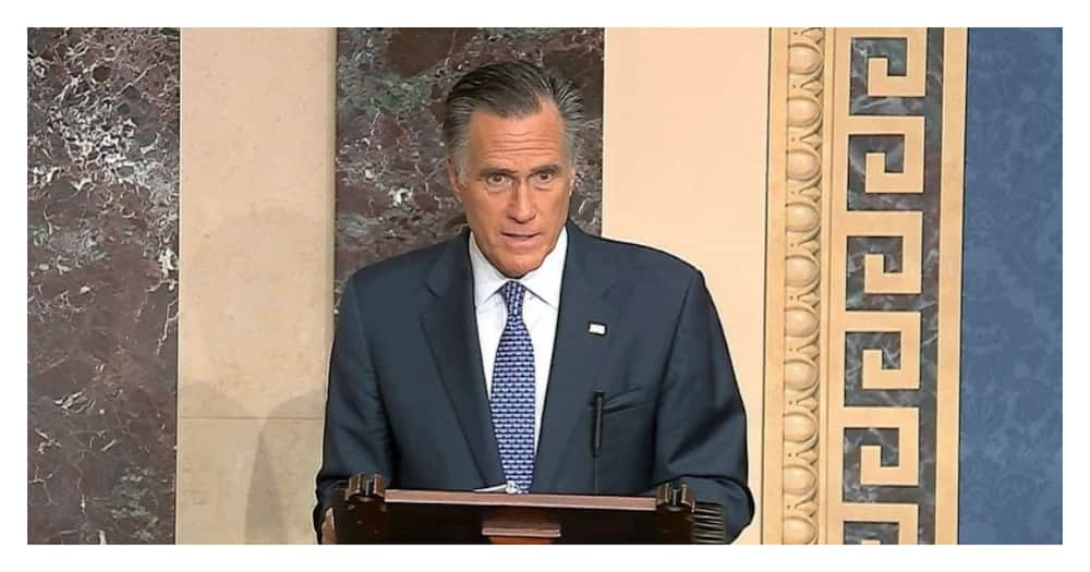Mitt Romney fall leaves him unconscious, with a black eye