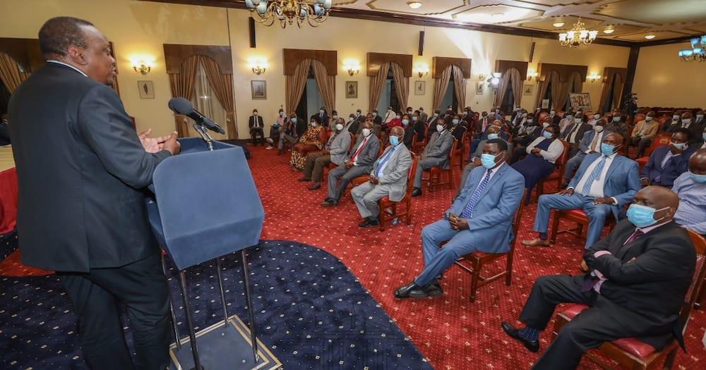 Uhuru akutana na viongozi wa Kisii kujadili maendeleo