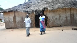 Kilifi: Mwanamume Ajitokeza Bila Viatu Kwenye Harusi yake