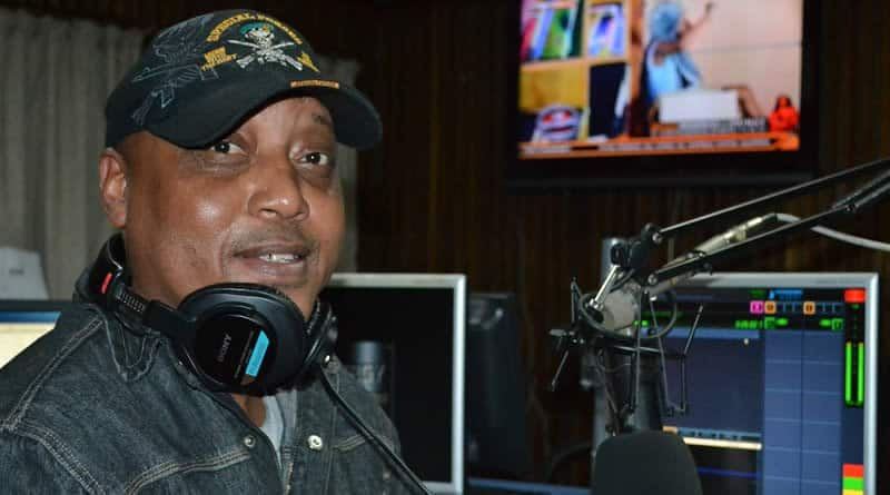 5 legendary radio personalities who have remained faithful to the trade