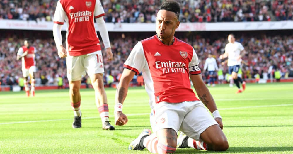 Aubameyang celebrates scoring Arsenal's 2nd goal during the Premier League match between Arsenal and Tottenham Hotspur at Emirates Stadium on September 26, 2021 in London, England. (Photo by David Price/Arsenal FC via Getty Images)