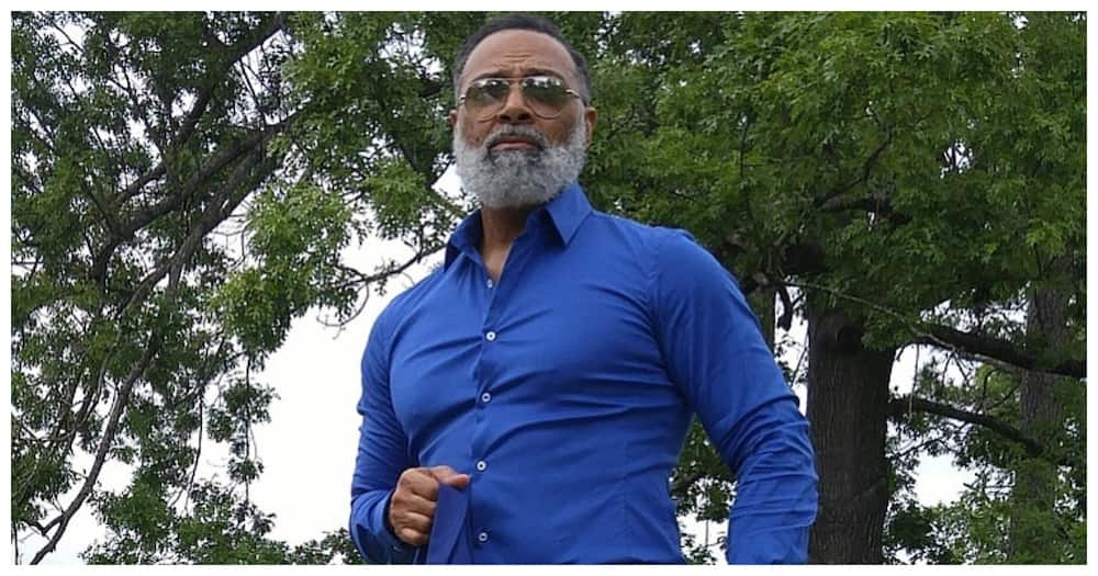 6 exquisite photos of handsome silver fox Irvin Randle whose looks defy age