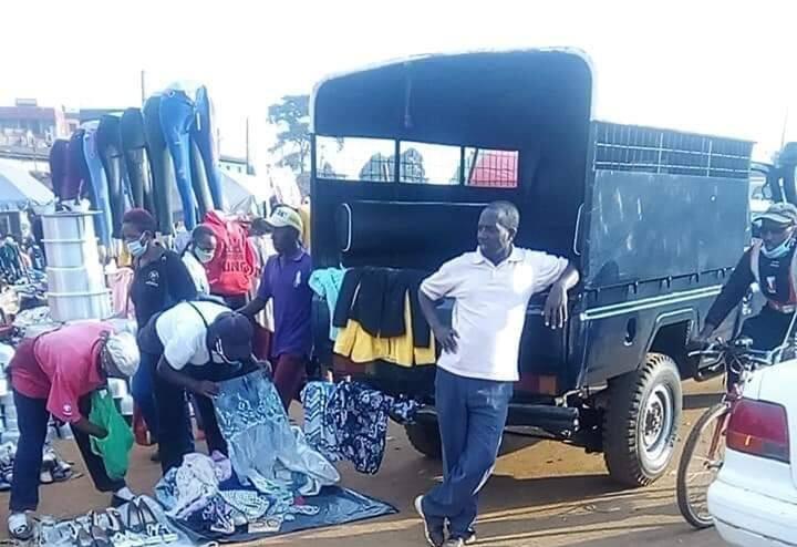 Picha ya mzuuzi akiulizia mali yake katika gari la GK yasisimua mtandao