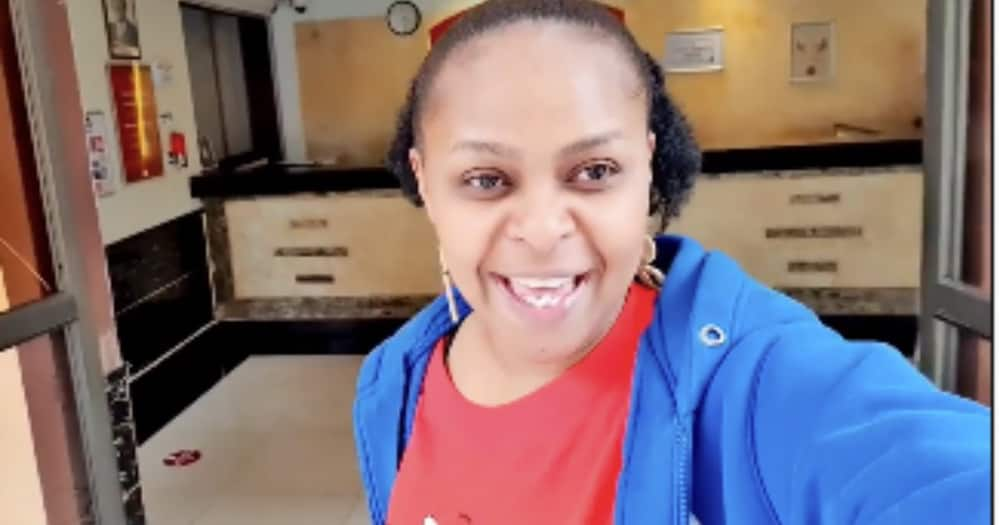 Size 8 impresses netizens after sharing cute video without makeup