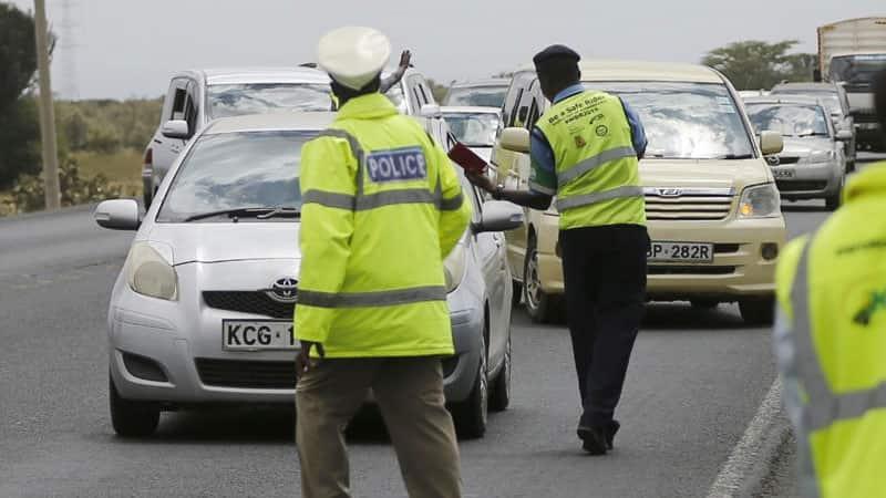 Afisa wa Trafiki Agongwa na Lori Katika Barabara ya Nakuru - Nairobi