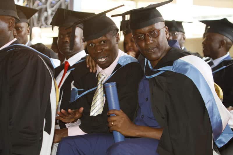 Kamiti Prison: 17 inmates graduate with law degrees