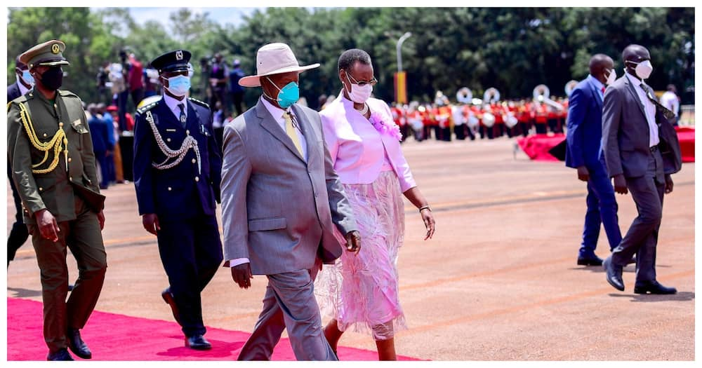 Yoweri Museveni has warned the teachers about having the government at ransom.