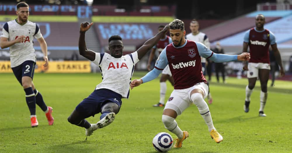 Lingard on target as West Ham silence Spurs to go fourth