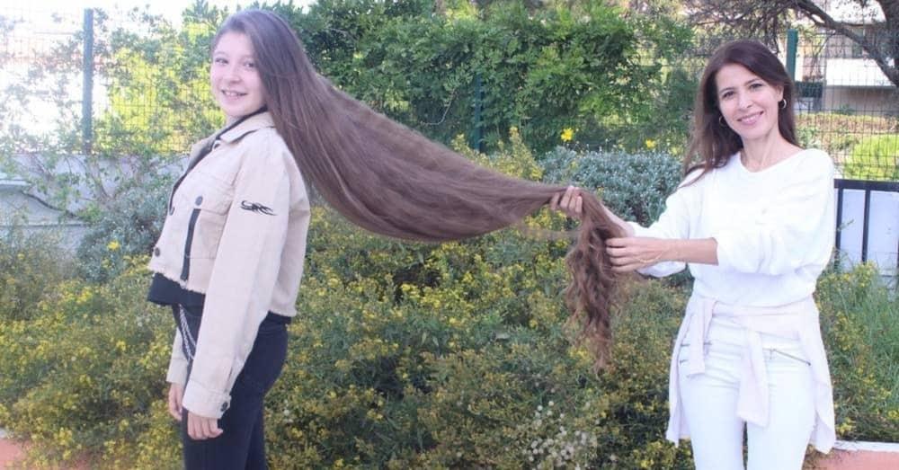 longest curly hair