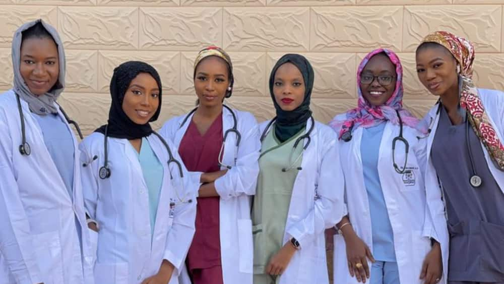 The ladies' picture was much loved by social media users. Photo source: @dr_kay_umar