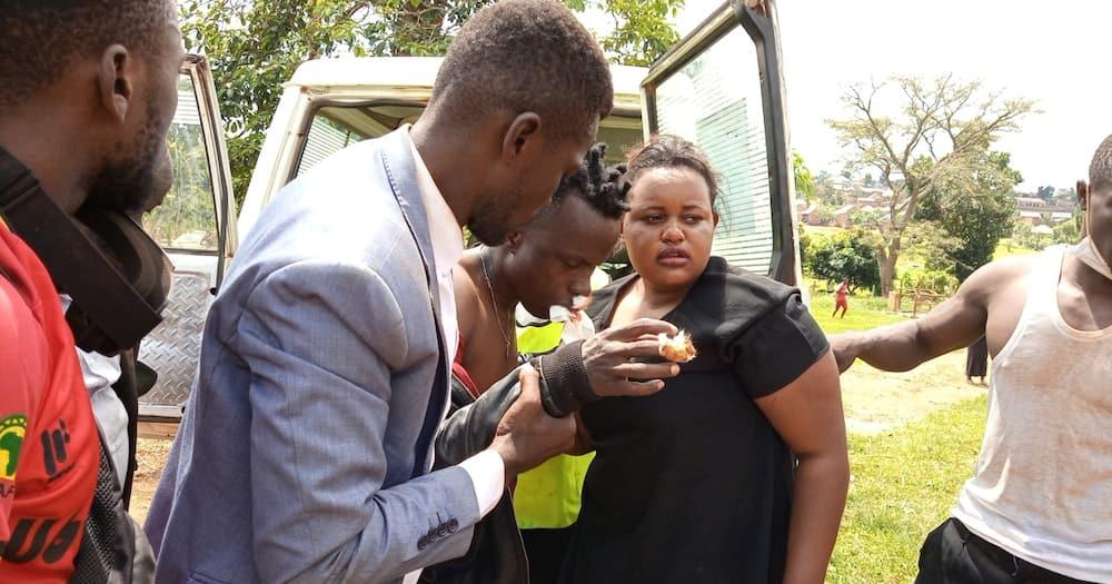 Uchaguzi Uganda: Bobi Wine asitisha kampeni zake