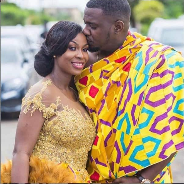 John Dumelo ignores wife when she asked for photo (video)