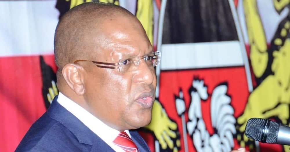 Huwezi kumtetea Uhuru kuniliko, Murkomen amwambua Tibiko