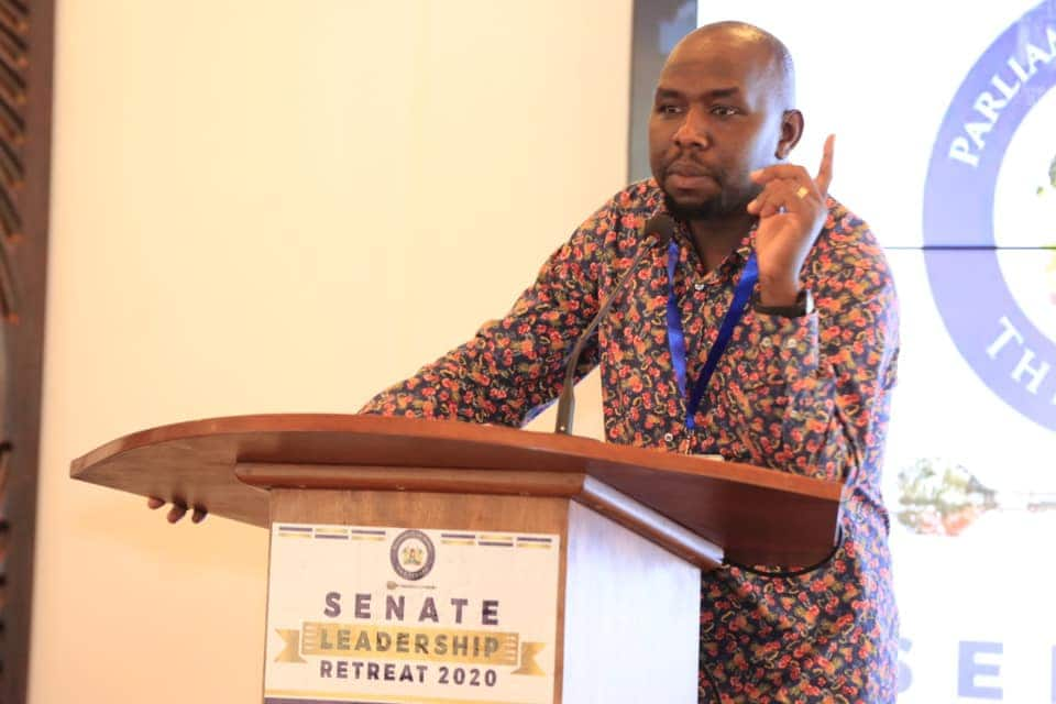 Murkomen questions Uhuru's failure to convene Jubilee PG meeting discuss revenue allocation formula