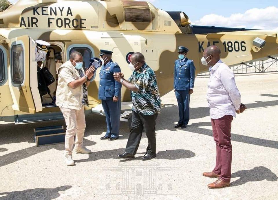 Picha za Rais Uhuru akipokewa na Waziri Matiang'i, DP akiwekwa kando zazua ngumzo