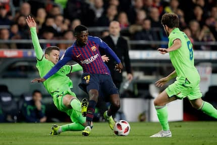 Football fans compare Barcelona star with Ronaldinho after superb dribble
