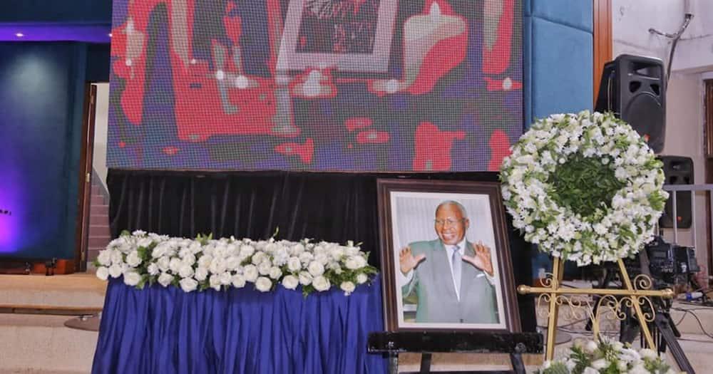 Rais Uhuru Kenyatta ahudhuria mazishi ya mwanasiasa Simeon Nyachae