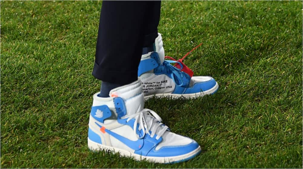 Serie A club manager wears limited release Air Jordan on the touchline