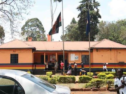 Sarakasi zazuka Kabete baada ya maafisa wa EACC kuwakamata polisi 2 wakila hongo