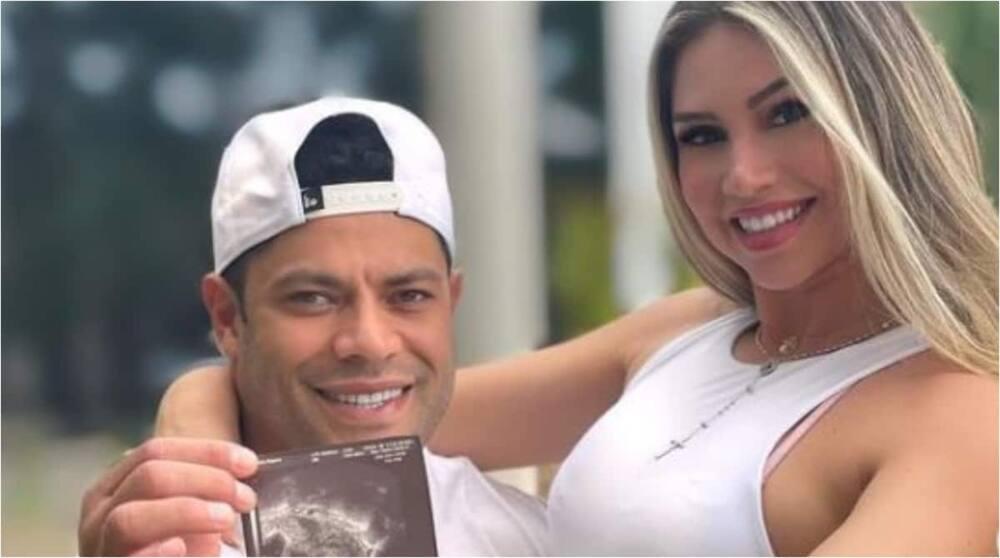 Brazilian Striker Hulk poses with his ex-wife's niece. Photo: Instagram/hulkparaiba.