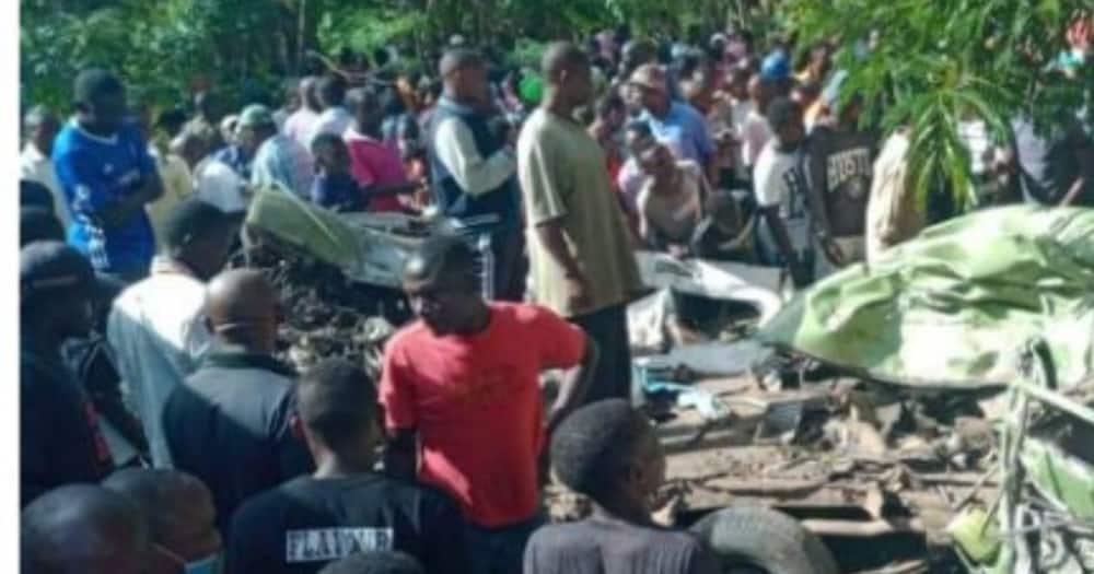 Watu 9 waangamia kwenya ajali baada ya kori kugogana na matatu