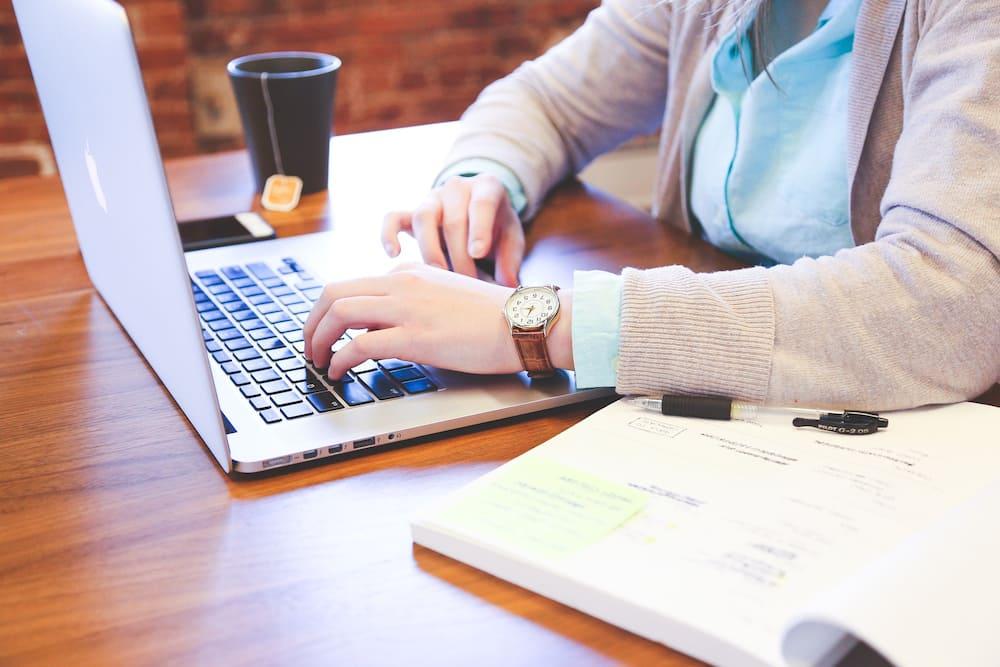 how to cite a website with no author