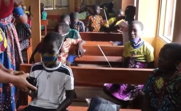 Nigerian school distributes radios to pupils studying from home