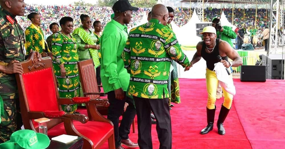 8 photos of late John Magufuli with Tanzanian artistes that showed his love for creative arts