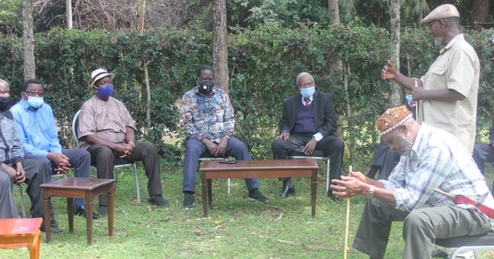 Wazee wa Mt Kenya wamtembelea Raila Siaya