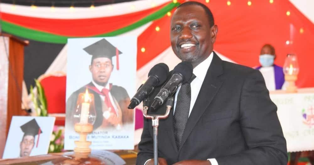 Machakos: DP Ruto adhalilishwa wakati wa mazishi ya Seneta Kabaka