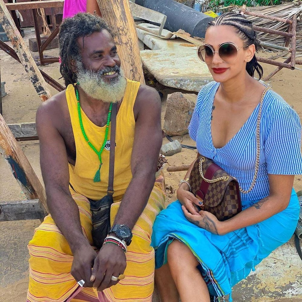 Viral photo of Omar Lali with a beautiful woman elicits mixed reactions online